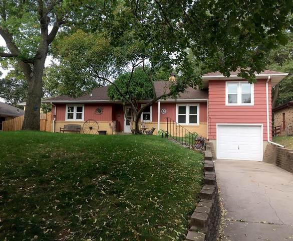2630 Xenwood Avenue S, Saint Louis Park, MN 55416 (#5665087) :: The Janetkhan Group