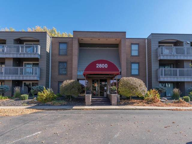 2800 Hamline Avenue N #213, Roseville, MN 55113 (#5673656) :: Bre Berry & Company