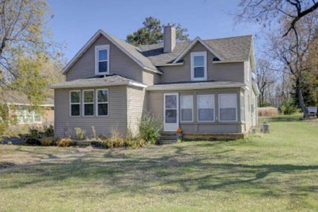1389 Main Street, Houlton, WI 54082 (#5676314) :: Tony Farah | Coldwell Banker Realty