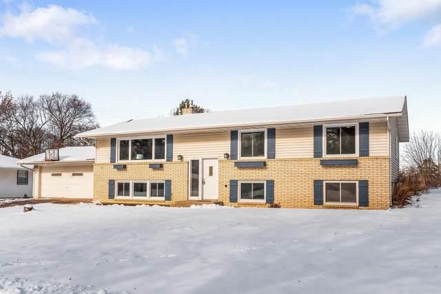 2539 Elm Drive, White Bear Lake, MN 55110 (#5684026) :: The Smith Team