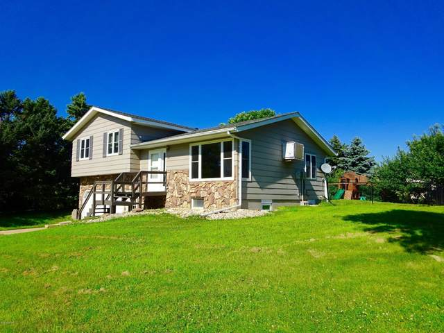 309 Hill Street, Russell, MN 56169 (#5693803) :: Tony Farah | Coldwell Banker Realty