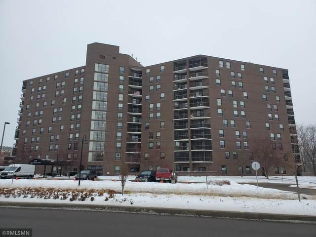 6615 Lake Shore Drive S #302, Richfield, MN 55423 (#5699361) :: The Janetkhan Group