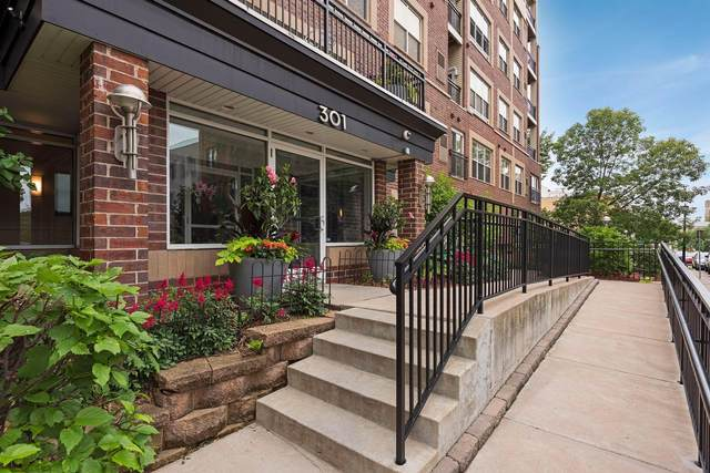 301 Oak Grove Street #201, Minneapolis, MN 55403 (#5699547) :: Straka Real Estate