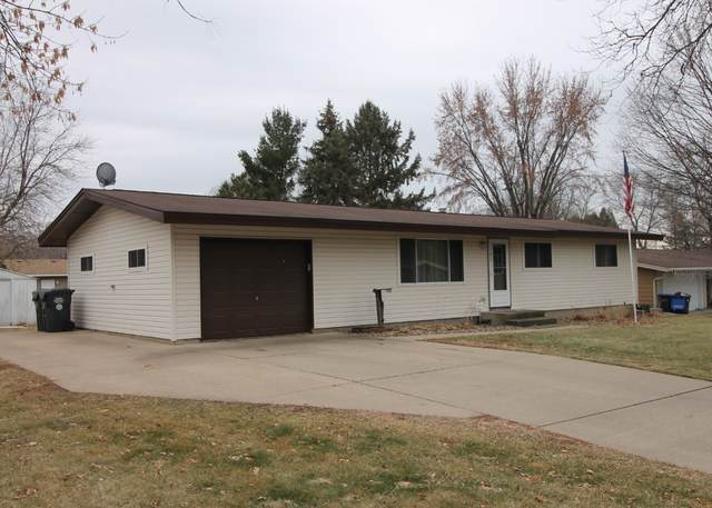 102 Evergreen Drive E, Cannon Falls, MN 55009 (#5700508) :: Holz Group