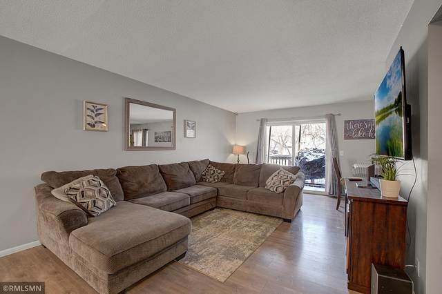 76 River Woods Lane, Burnsville, MN 55337 (#5712854) :: The Smith Team