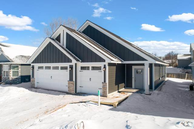 31643 Newport Curve, Lindstrom, MN 55045 (#5713337) :: Bos Realty Group