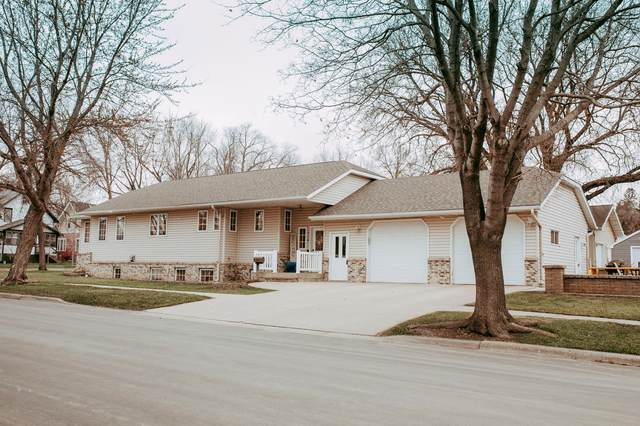 110 Colorado Avenue, Morris, MN 56267 (#5733849) :: Tony Farah | Coldwell Banker Realty