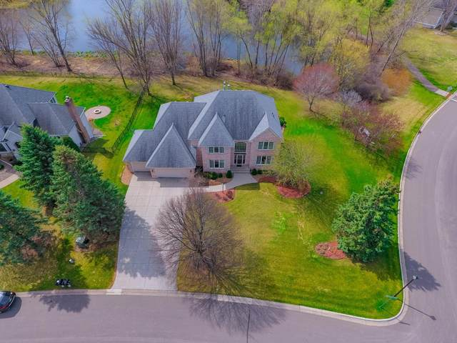 2911 Edgewater Cove, Woodbury, MN 55125 (#5738761) :: Servion Realty