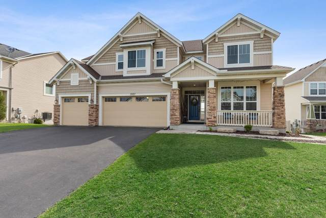 1937 River Bluff Court, Shakopee, MN 55379 (#5739475) :: The Janetkhan Group