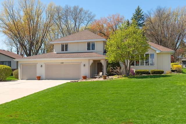 1292 Karth Lake Circle, Arden Hills, MN 55112 (#5745370) :: Happy Clients Realty Advisors