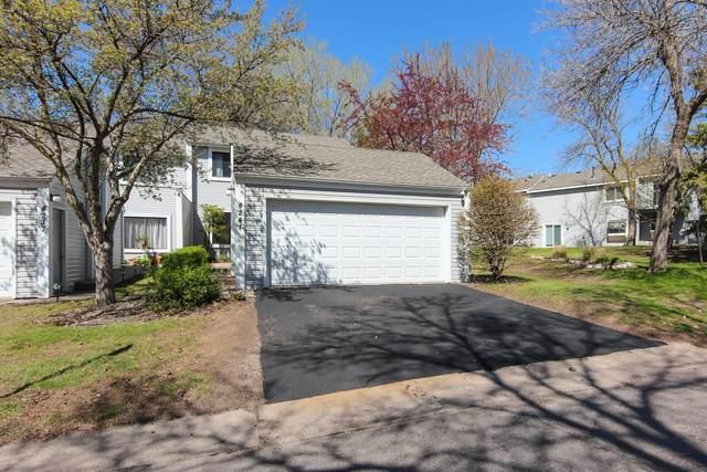 4241 Sylvia Lane N, Shoreview, MN 55126 (#5749833) :: Carol Nelson   Edina Realty
