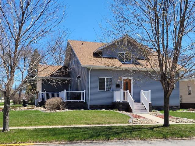 305 3rd Avenue SW, Pipestone, MN 56164 (#5749941) :: The Janetkhan Group
