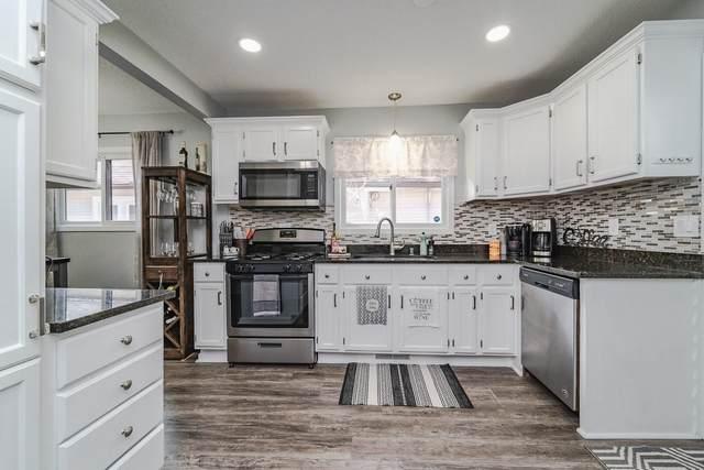 943 Earl Street, Saint Paul, MN 55106 (#5751385) :: Straka Real Estate