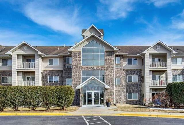 1321 Lake Drive W #222, Chanhassen, MN 55317 (#5752284) :: Holz Group