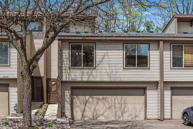 13735 Hemlock Court, Apple Valley, MN 55124 (#5752286) :: Tony Farah | Coldwell Banker Realty