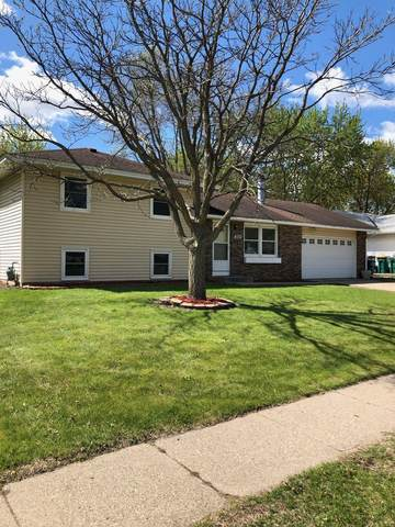 884 Whitney Drive, Apple Valley, MN 55124 (#5753946) :: The Janetkhan Group