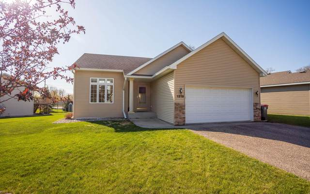 1319 Natures Trail, Alexandria, MN 56308 (#5756287) :: Bos Realty Group