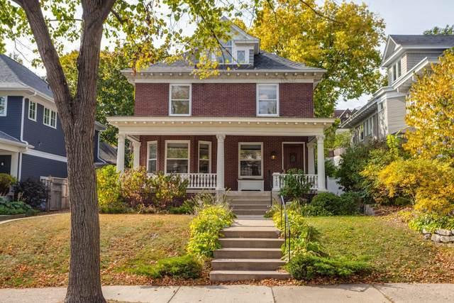 2100 Humboldt Avenue S, Minneapolis, MN 55405 (#5757331) :: Holz Group