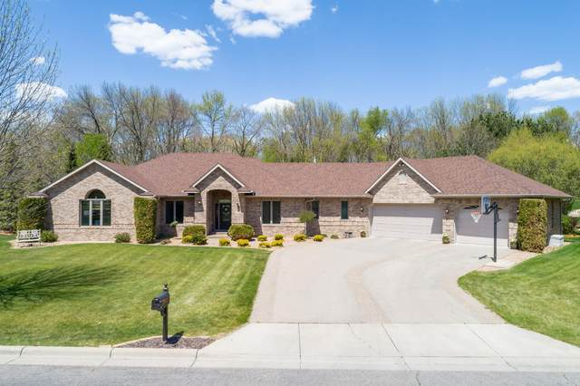 1952 Woodcrest Drive NE, Owatonna, MN 55060 (#5758155) :: Bos Realty Group