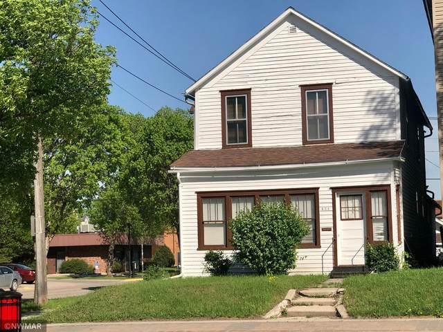 424 N Main Street, Crookston, MN 56716 (#5765583) :: The Janetkhan Group