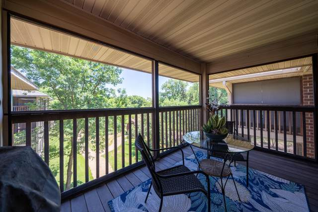 1350 Douglas Drive N #304, Golden Valley, MN 55422 (#6007927) :: Tony Farah   Coldwell Banker Realty
