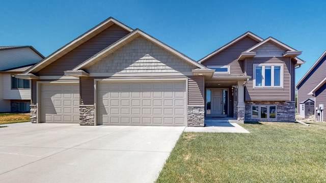 4577 Buckingham Drive NW, Rochester, MN 55901 (#6009969) :: The Pietig Properties Group