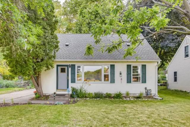 1891 Hazelwood Street, Maplewood, MN 55109 (#6010929) :: Tony Farah | Coldwell Banker Realty