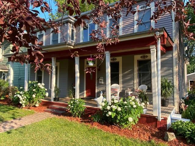 305 Stillwater Avenue W, Stillwater, MN 55082 (#6012942) :: Bos Realty Group