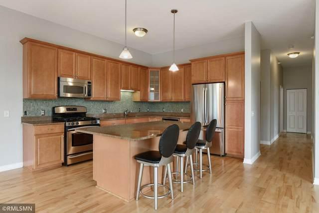 301 Clifton Avenue 2G, Minneapolis, MN 55403 (#6074764) :: Bos Realty Group