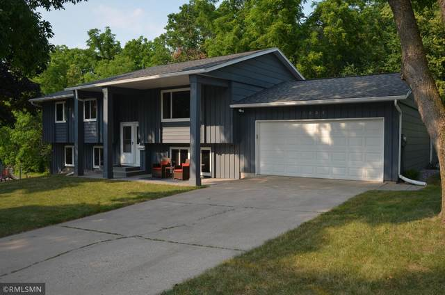 1808 Woodland Drive, Red Wing, MN 55066 (#6075144) :: Bos Realty Group