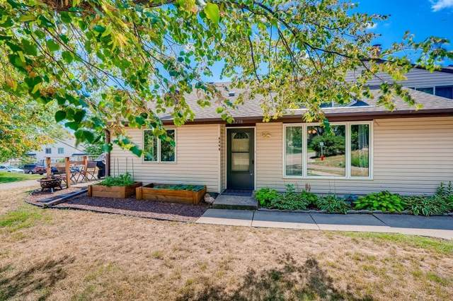 8298 142nd Street W, Apple Valley, MN 55124 (#6081662) :: Holz Group