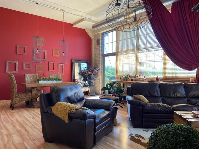 1901 E Hennepin Avenue #305, Minneapolis, MN 55413 (#6083624) :: The Pietig Properties Group