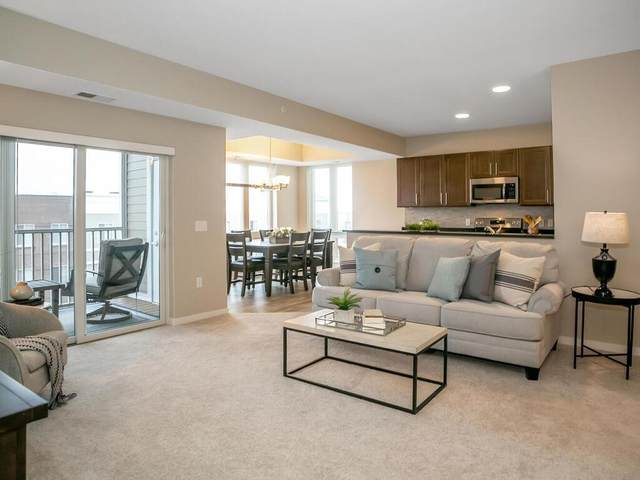7070 153rd Street W #405, Apple Valley, MN 55124 (#6091535) :: Holz Group