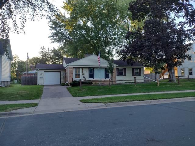 220 Cypress Street S, Cambridge, MN 55008 (#6097136) :: The Pietig Properties Group