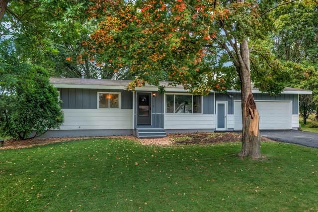 54 W Wood Ridge Drive, Troy Twp, WI 54022 (#6098209) :: The Twin Cities Team