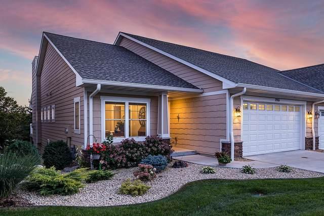 2951 Highwood Drive, Chanhassen, MN 55317 (#6099852) :: Twin Cities Elite Real Estate Group | TheMLSonline