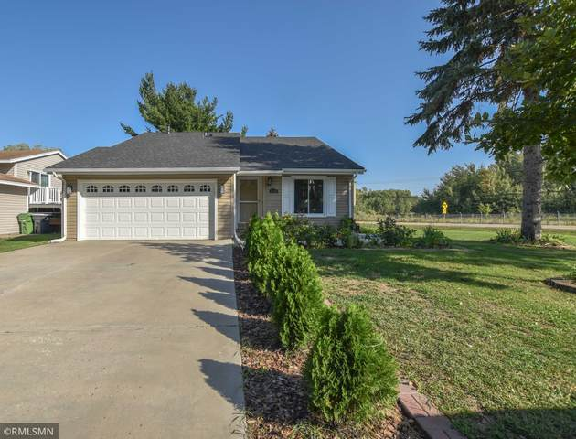 5530 Knoll Drive, Shoreview, MN 55126 (#6101888) :: The Janetkhan Group