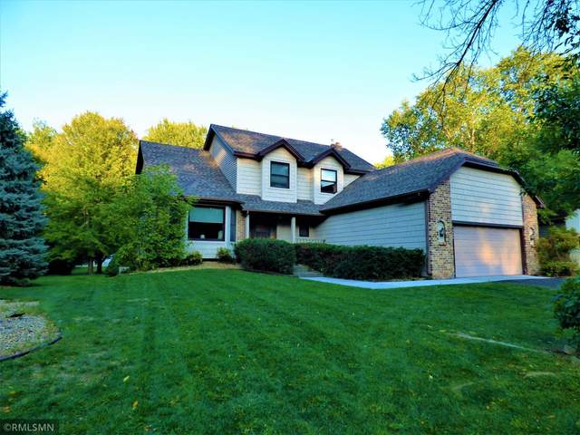 12880 Foliage Avenue, Apple Valley, MN 55124 (#6102520) :: The Janetkhan Group