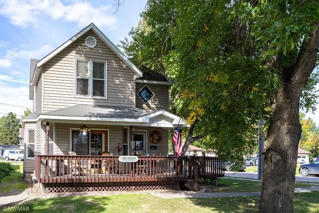 402 Woodland Avenue, Crookston, MN 56716 (#6104694) :: Servion Realty