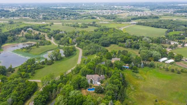 1500 W Farm Road, Chanhassen, MN 55318 (#6111027) :: Carol Nelson | Edina Realty