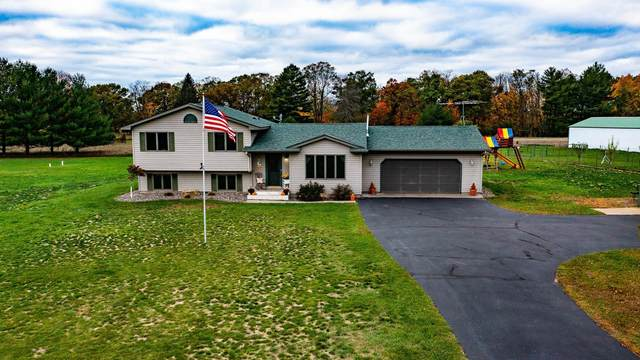 1053 River Road, Dresser, WI 54009 (#6113749) :: Lakes Country Realty LLC