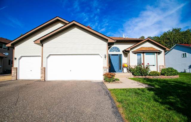 25707 Goldfinch Avenue, Wyoming, MN 55092 (#6115078) :: Servion Realty