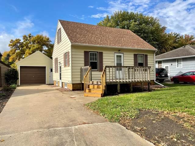 1103 Johnson Avenue, Worthington, MN 56187 (#6116795) :: Holz Group