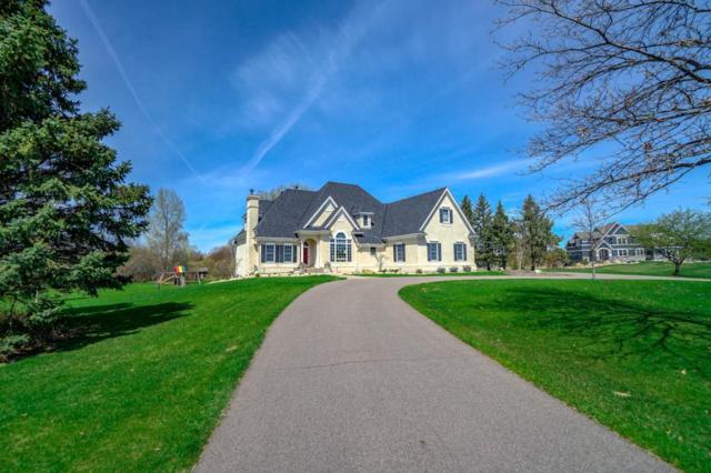 11 Apple Orchard Court, Dellwood, MN 55110 (#5146515) :: The Odd Couple Team