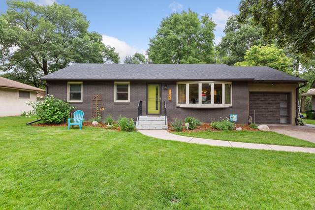 1205 Laurie Road W, Roseville, MN 55113 (#5616279) :: Happy Clients Realty Advisors