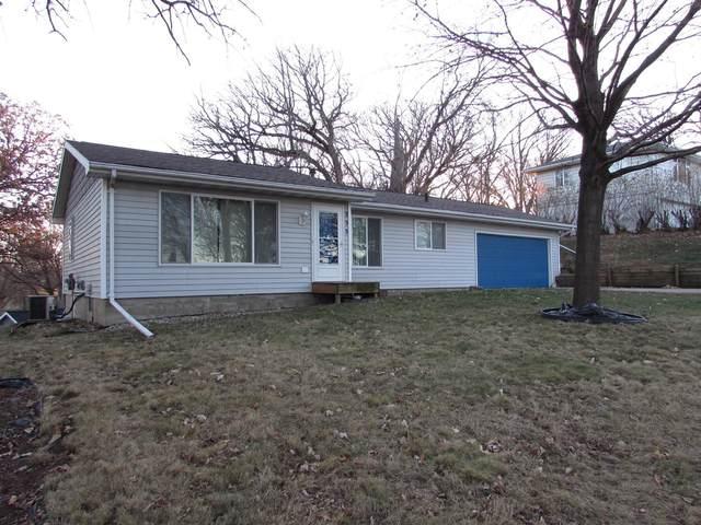 233 E Amber Lake Drive, Fairmont, MN 56031 (#5695386) :: Tony Farah   Coldwell Banker Realty