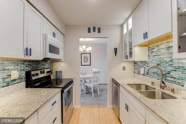 2250 Midland Grove Road #208, Roseville, MN 55113 (#5697150) :: Straka Real Estate