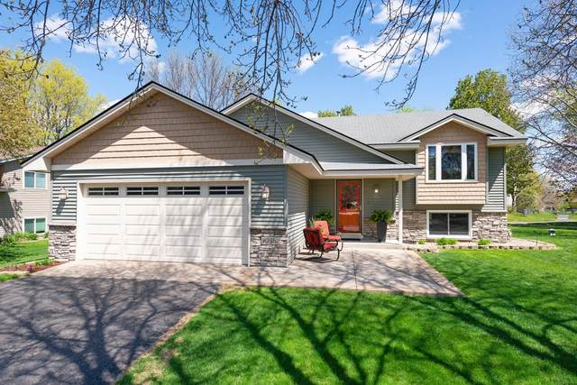 9058 Norwood Lane N, Maple Grove, MN 55369 (#5723369) :: The Janetkhan Group