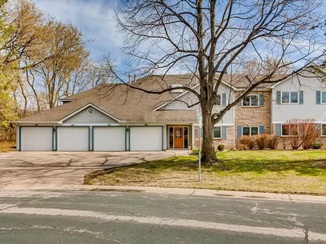 7272 Hunters Run, Eden Prairie, MN 55346 (#5735731) :: Helgeson & Platzke Real Estate Group