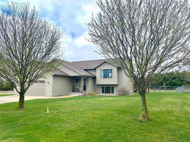 203 10th Avenue NW, Dodge Center, MN 55927 (#5738829) :: Lakes Country Realty LLC